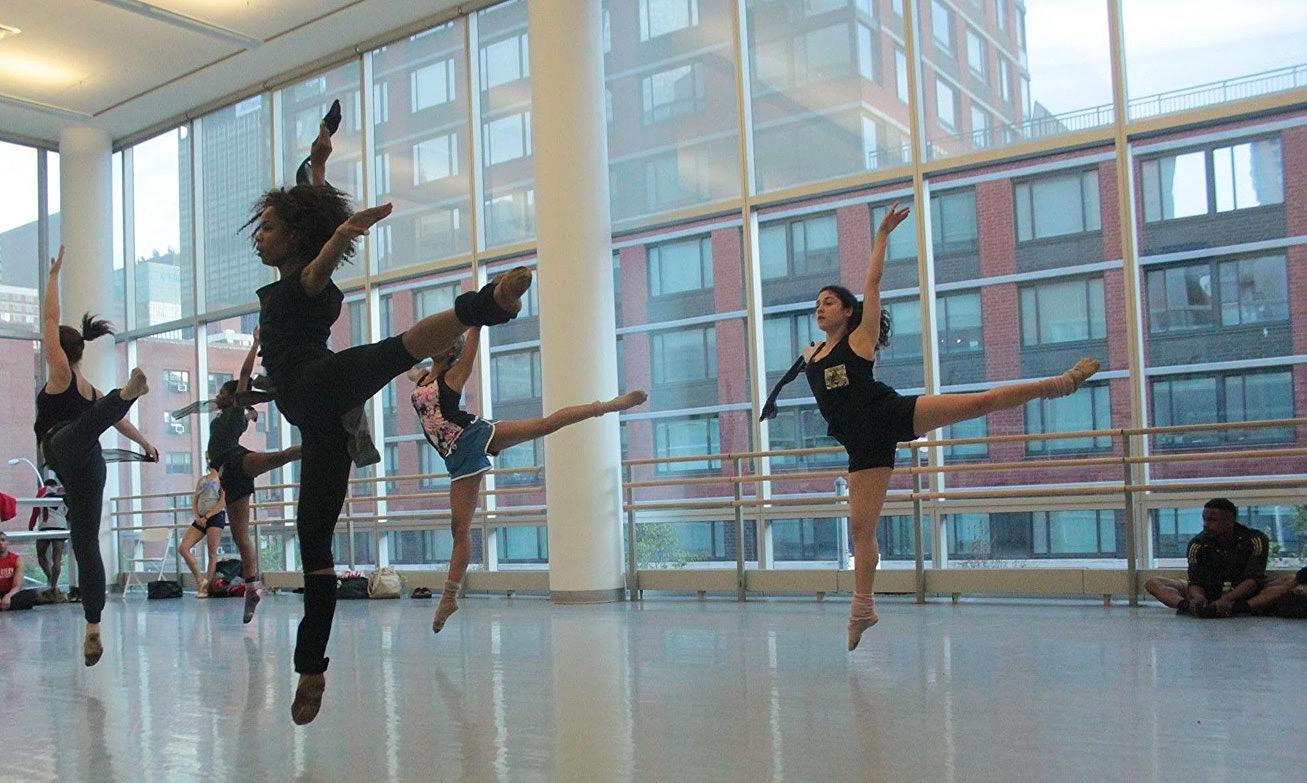girls jump