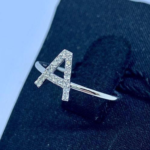 Anello Iniziale in oro Bianco e diamanti