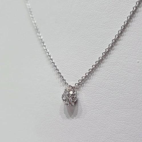 Girocollo in oro bianco e diamanti con pendente a goccia