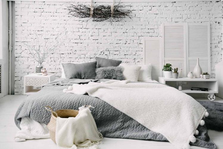 Аренда фотостудии с кроватью. Съемка постельного белья, матрасов.