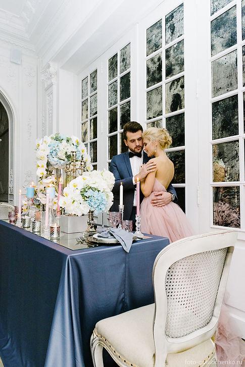 Красивое оформление банкетного стола является обязательным атрибутом стильной и изысканной свадьбы.