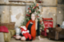 В меру праздничный и лаконичный интерьер является отличным фоном для фотосессий.