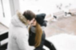 Очаровательные отношения в уединении. Ни минуты не проходит без нежных прикосновений.