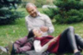 Фотосъемка Love Story женатой пары, которые не утратили свою молодость и способность к экспериментам перед объективом фотокамеры. Прогулка по подмосковному лесу и романтичные игры во дворе своего дома украсили фотосессию своей непринужденностью.