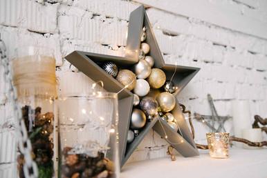 Уникальный новогодний декор сделанный на заказ дополнит Ваши новогодние композиции.