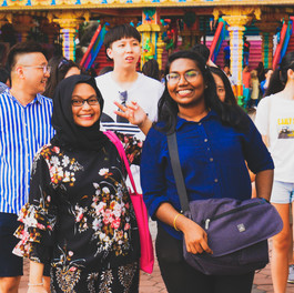 Smiles - Batu Caves