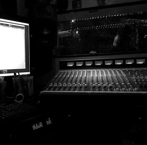 the-mayfair-studio-2_edited_edited.jpg