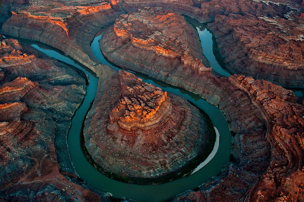 looping grand canyon in canyonlands national park