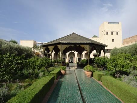 Pátios e jardins de Marraquexe o Riad