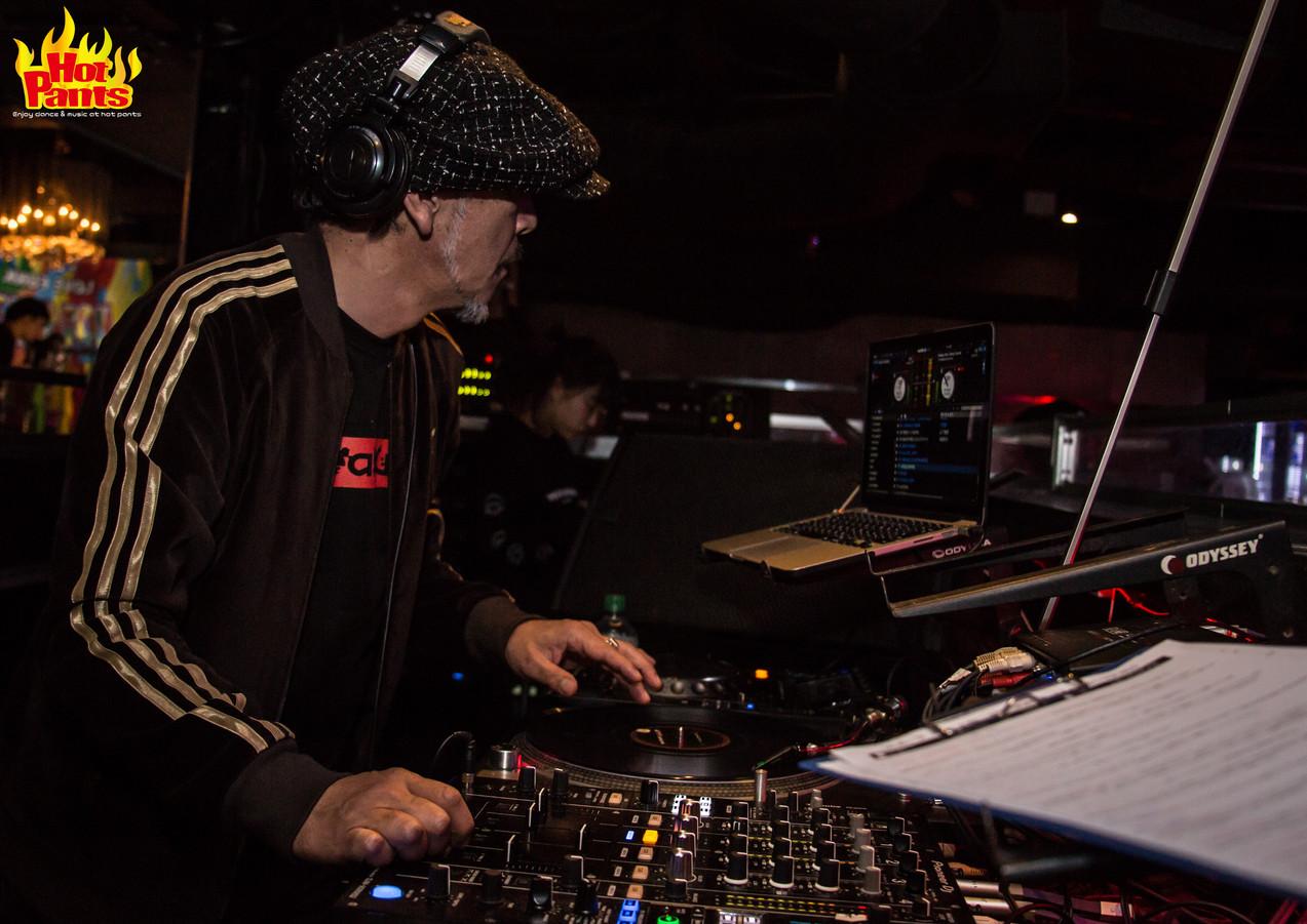 DJ アキラ.jpg
