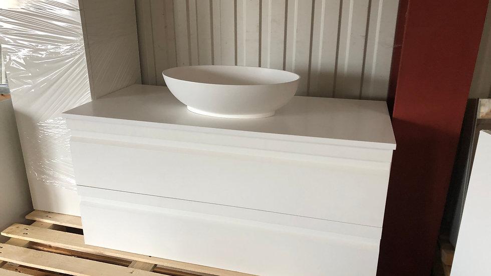 Vaskeskab i hvid med Sonate vask og morianbordplade