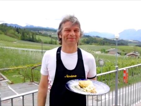 Um crepe de maçã do Trentino-Alto Adige feito por um dos grandes chefs da região