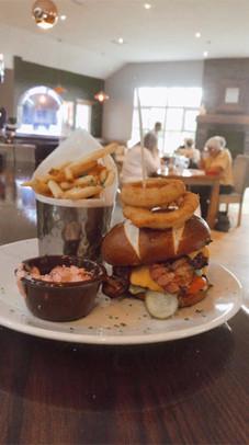 Boathouse Burger 2.jpg