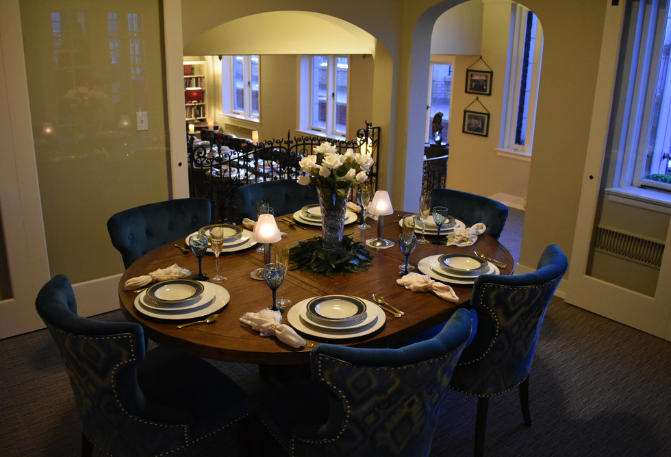 Inner Circle_Set Table V.JPG