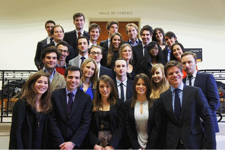 Promotion 2012 - 2013 du Master 2 Juriste Fiscaliste de Paris Descartes (Paris V).
