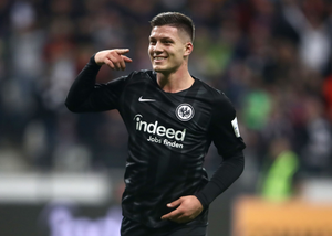 Luka Jovic playing with Eintracht Frankfurt