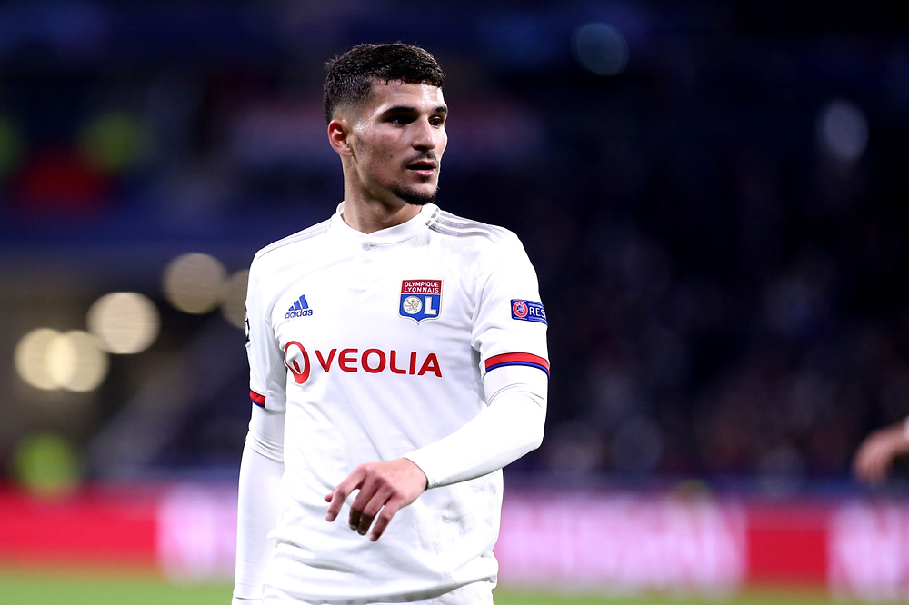 Houssem Aouar playing against Juventus in the Champions League