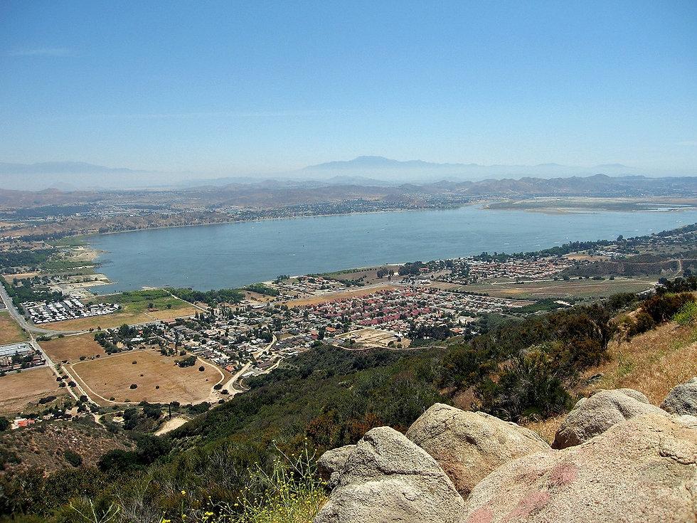 Lake_elsinore_view.jpg