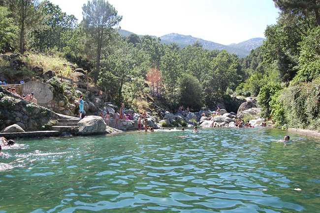 Piscina del Risquillo. Fuente: Web de Turismo Ávila.