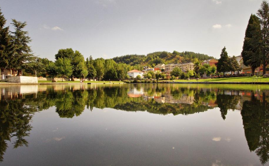 Vega de Espinareda. Fuente: Web del Ayuntamiento.