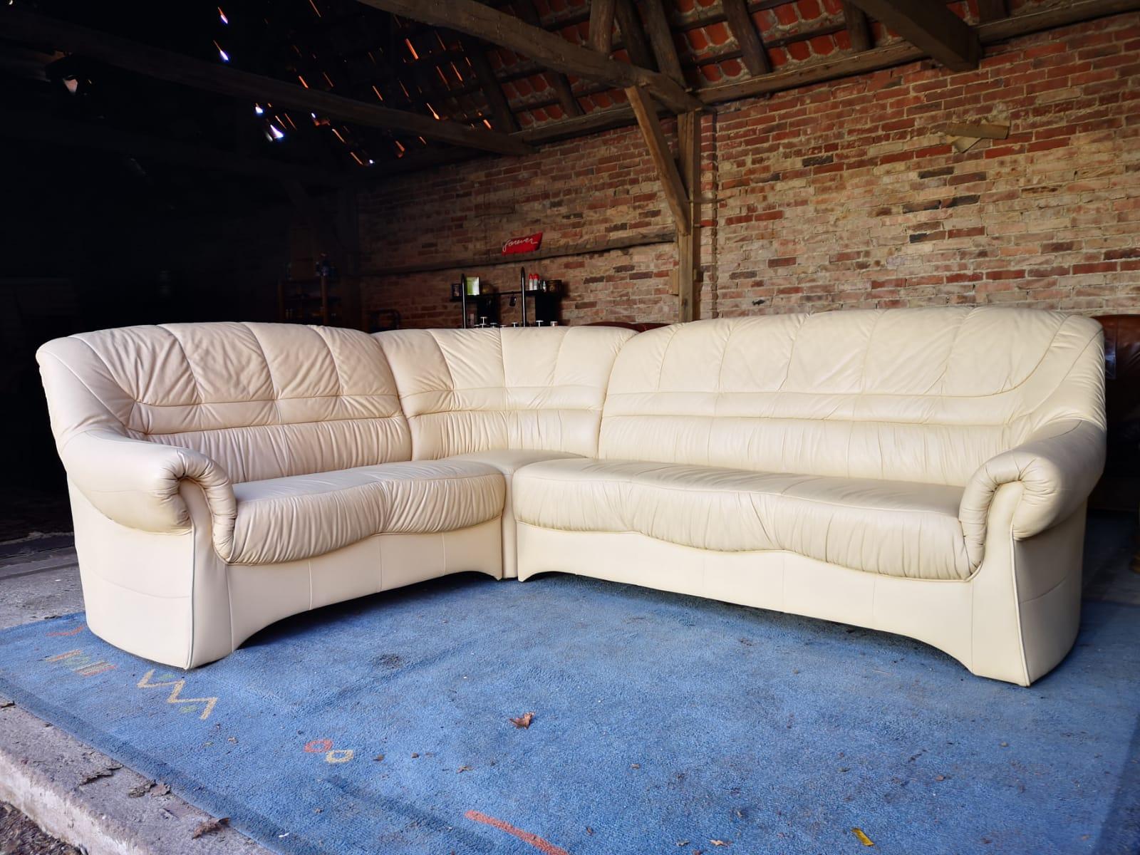 Bešs ādas dīvāns