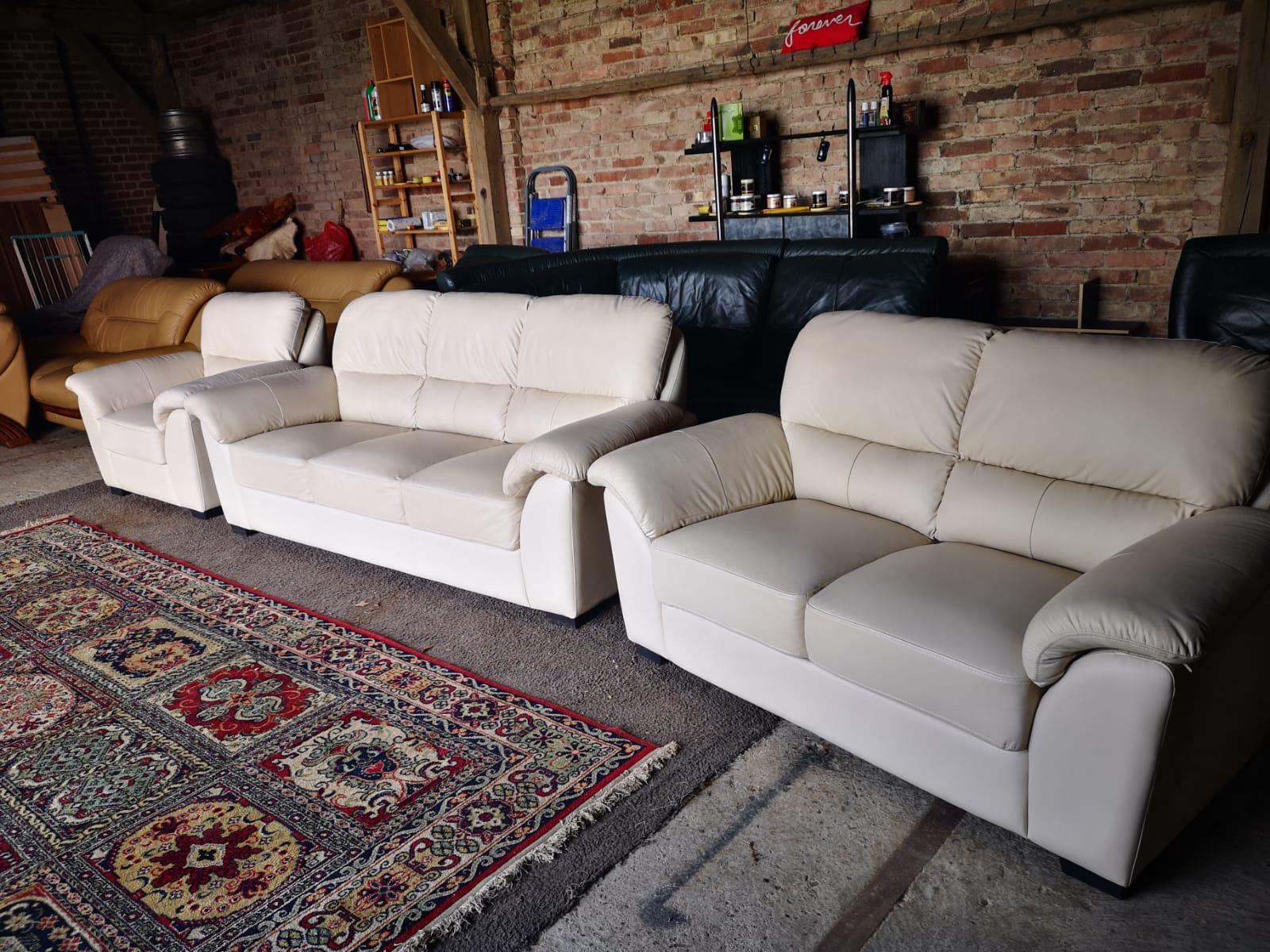 Balts ādas dīvāns