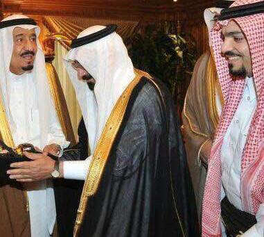 """""""الحلواني"""" يروي لـ""""سبق"""": أهدينا الورد للملك عبدالعزيز  و""""الطبيشي""""  بعا"""