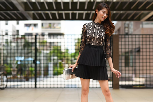 Lace Dress With Pleated - Black
