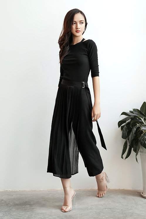 Culotte With Pleated Details - Black