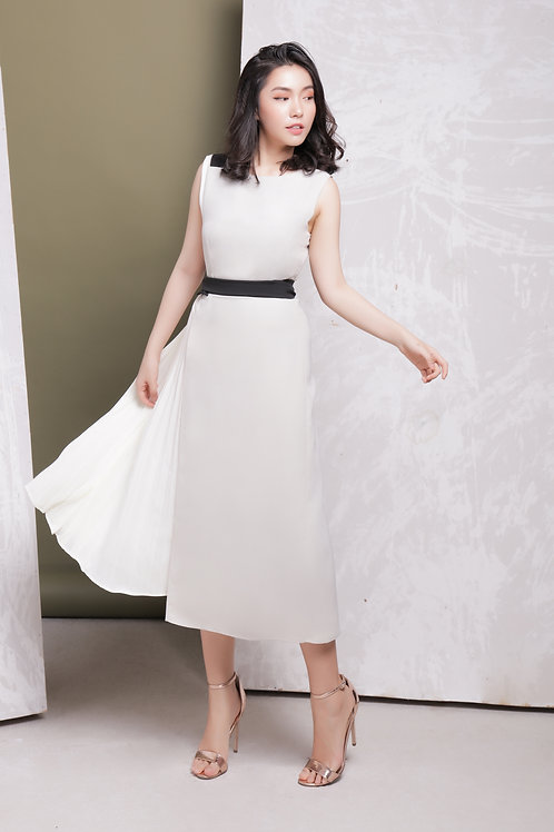 Midi Dress With Pleated Side - Off White