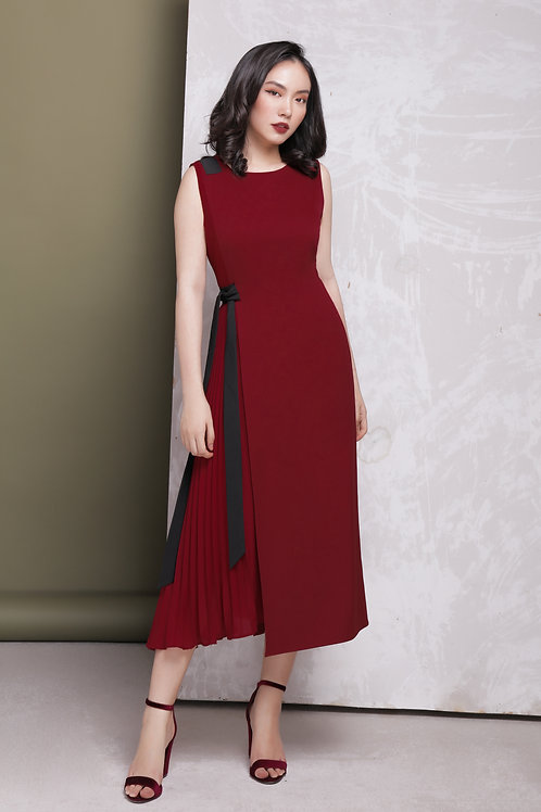 Midi Dress With Pleated Side - Red