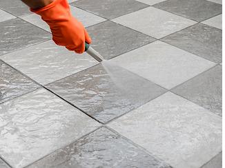 põranda plaatide puhastus