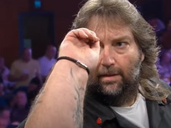 2021-02-02-17-40-04-amazing-crowd-reception-for-andy-fordham-2015-pdc-grand-slam-youtube-6
