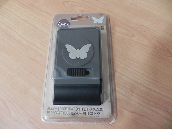 TH/sizzix punch large b'fly