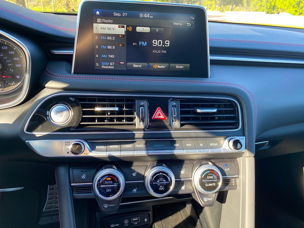2020 Genesis G70 3.3T Sport infotainment and HVAC