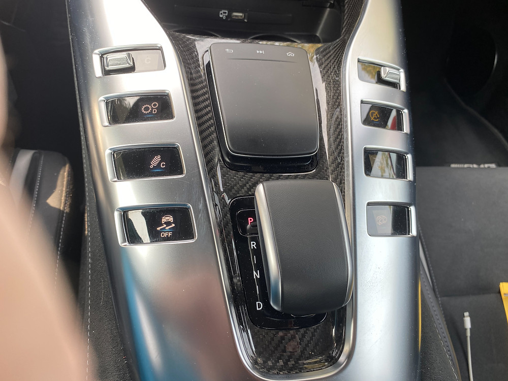 2020 Mercedes-AMG GT C console