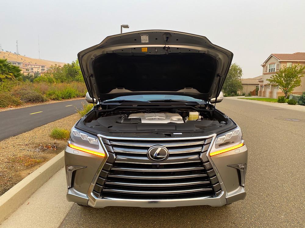 2020 Lexus LX 570 hood up