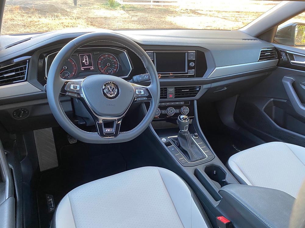 2020 Volkswagen Jetta 1.4T R-Line instrument panel