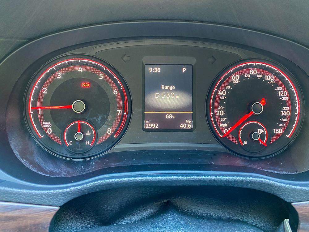 2020 Volkswagen Passat 2.0T SEL gauge cluster
