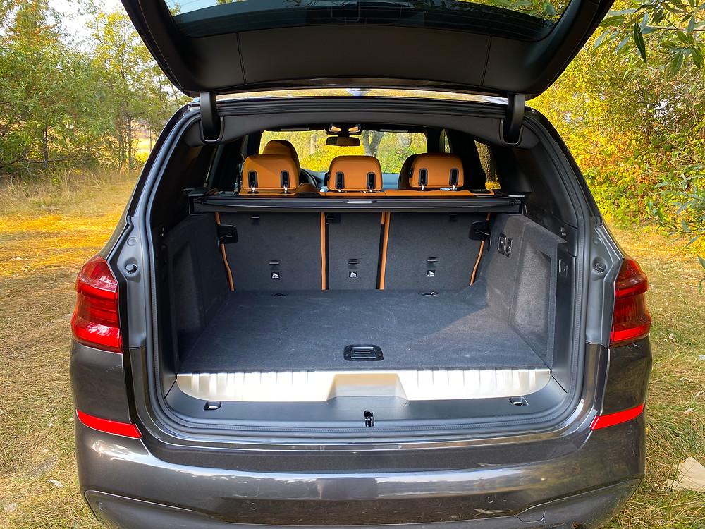2020 BMW X3 xDrive30e liftgate open