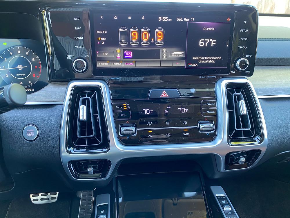 2021 Kia Sorento X-Line AWD infotainment and HVAC