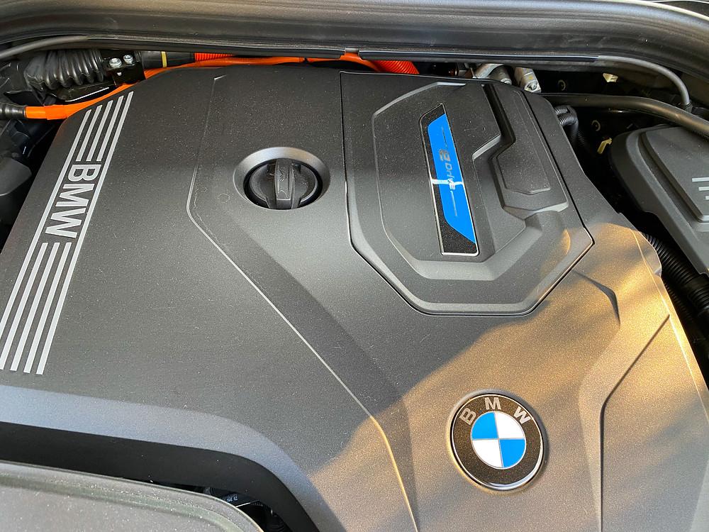 2020 BMW X3 xDrive30e hybrid powerplant detail