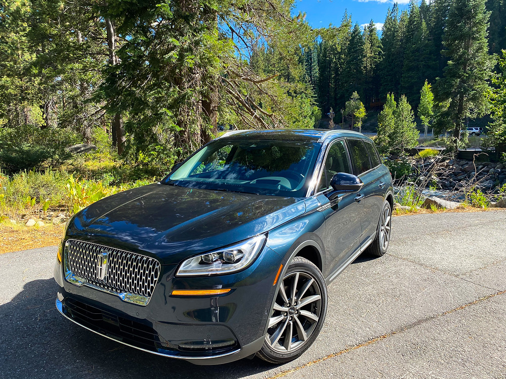 2020 Lincoln Corsair AWD Reserve front 3/4 view
