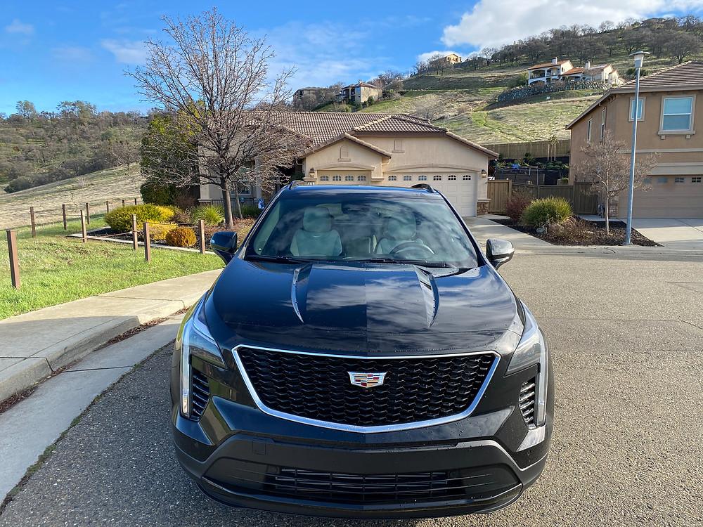 2021 Cadillac XT4 front view