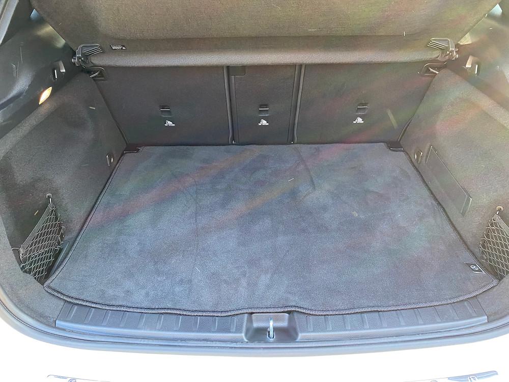 2021 Mercedes-Benz GLA 250 cargo area