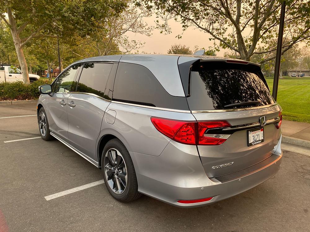 2021 Honda Odysey Elite rear 3/4 view