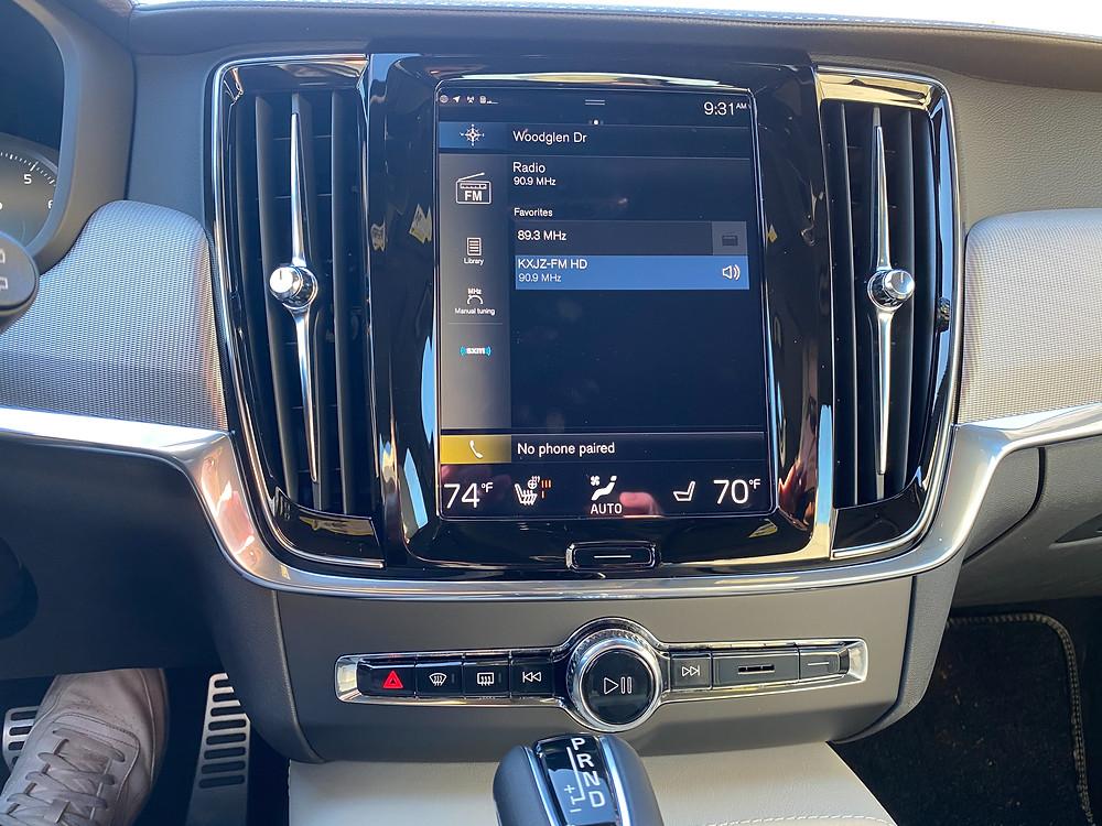 2021 Volvo V90 T6 AWD R-Design infotainment and HVAC