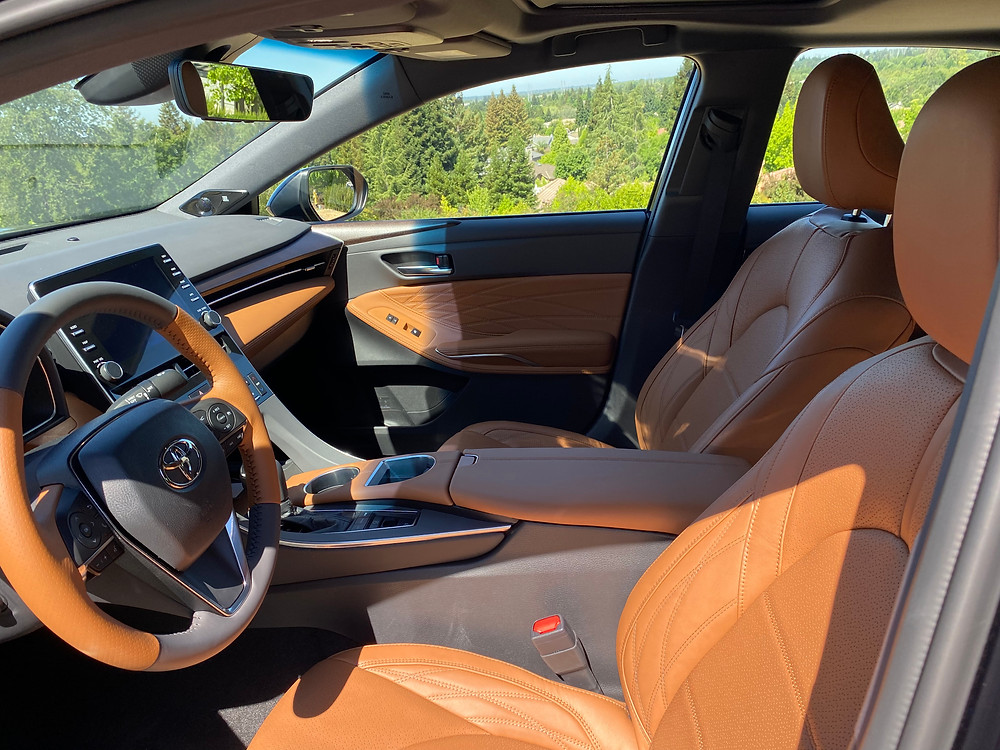 2021 Toyota Avalon Limited AWD front seats