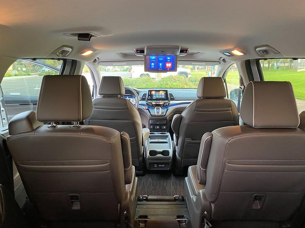2021 Honda Odyssey Elite interior-screen down