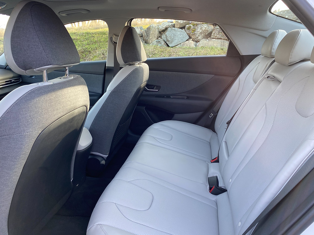 2021 Hyundai Elantra Limited rear seat